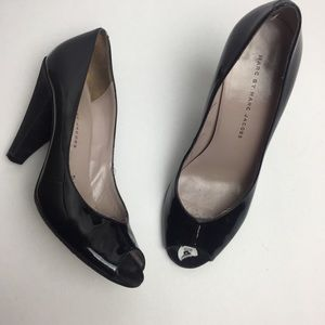 Marc by Marc Jacobs peep toe  patent leather heel